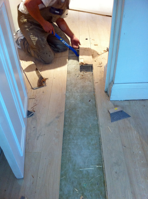 Restore your wooden floors with specialists in restoration for Wood floor repair specialist